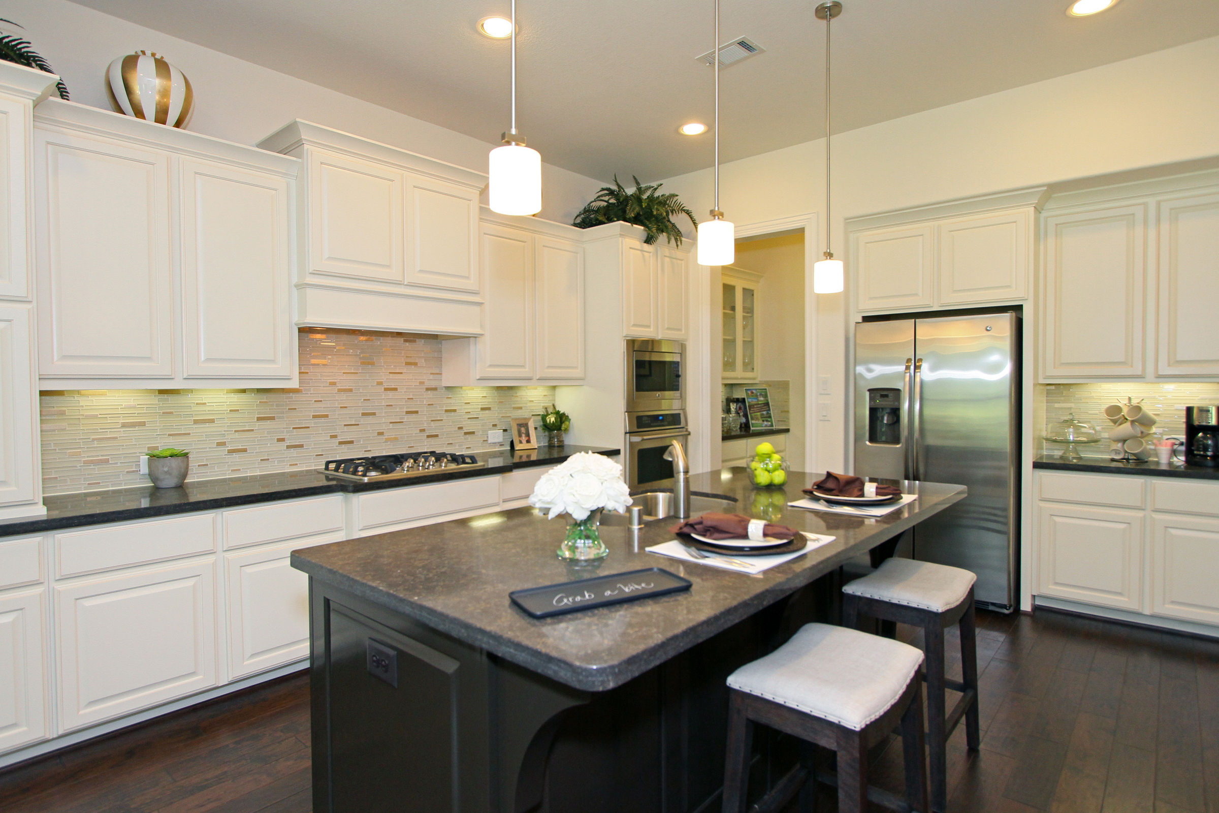Kitchen  Table. Woodforest Highland Luxury Model Home